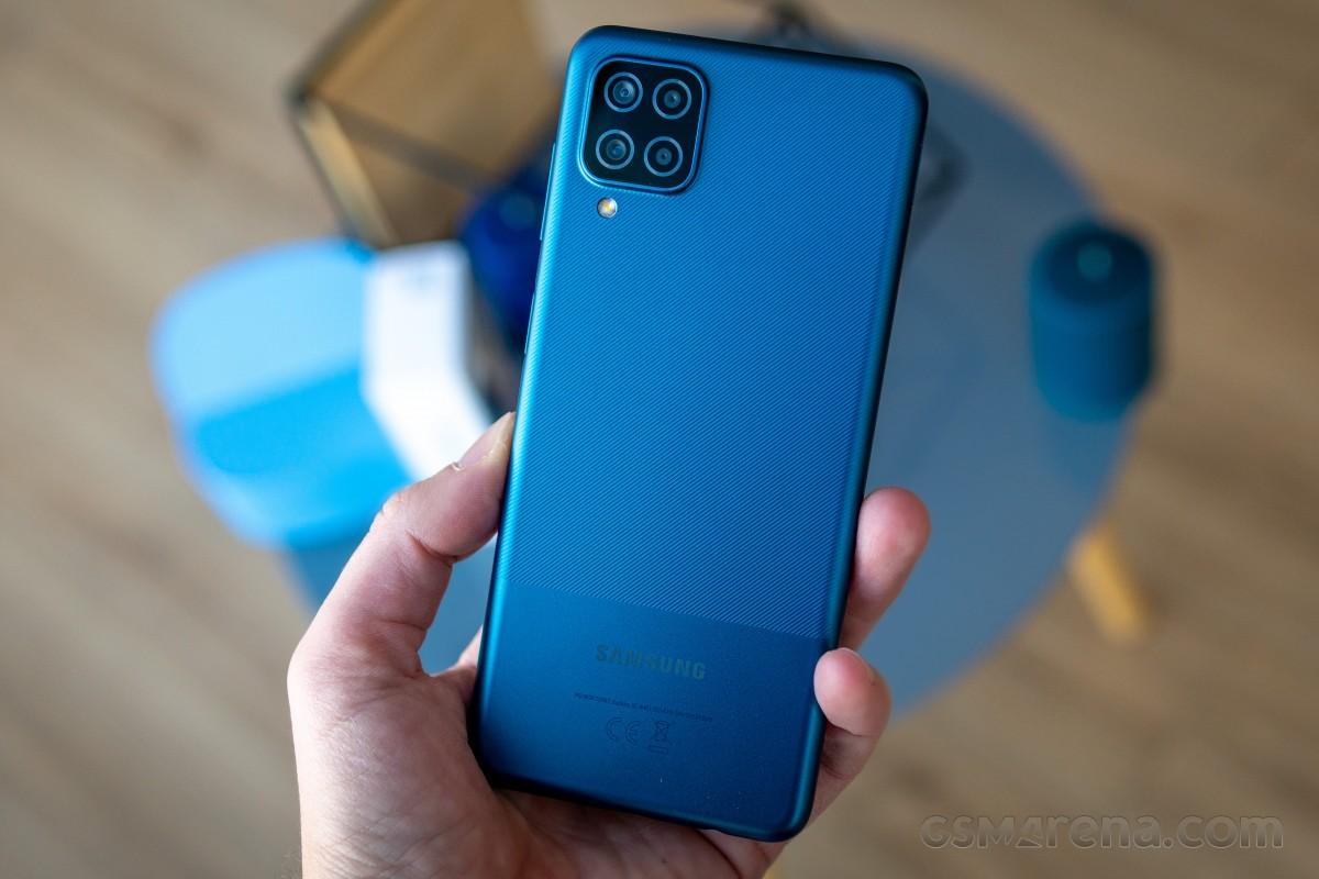 Samsung Galaxy A12 Nacho uygun fiyatıyla dikkatleri üzerine çekiyor